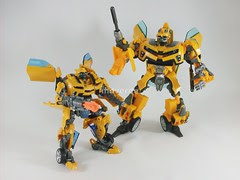 Transformers Bumblebee Human Alliance RotF - modo robot
