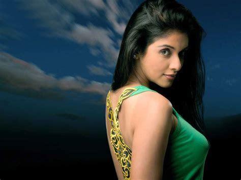 Asin Thottumkal Backless Dress   SheClick.com