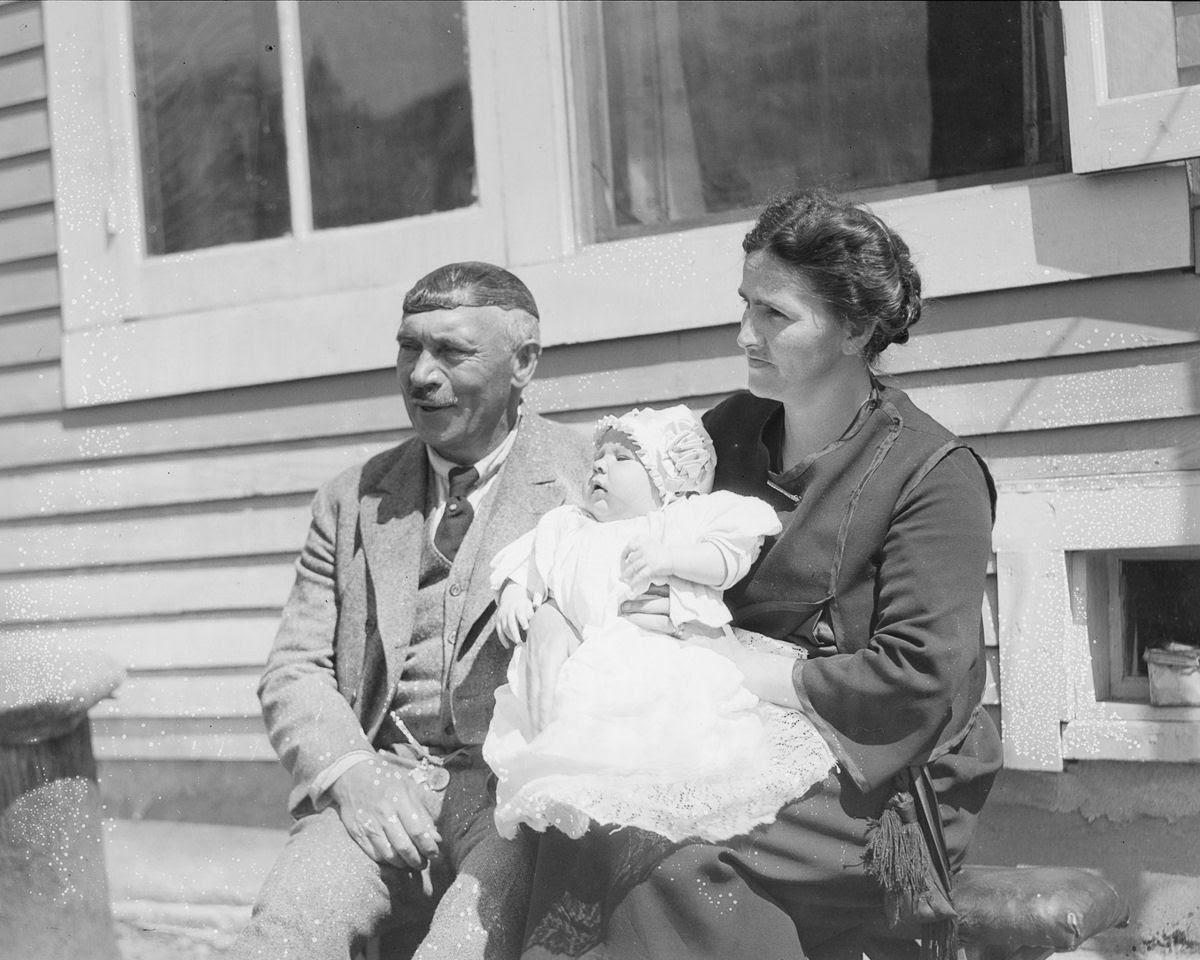 Como uma família com 13 filhos era empilhada em um carro em 1925 10