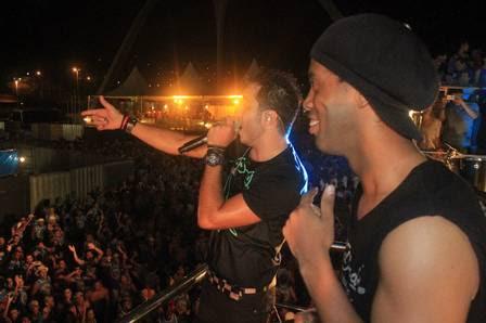 Ronaldinho não nega que gosta de um palco