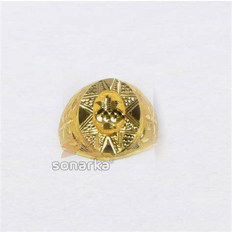 Buy quality 916 Yellow Gold Gents Ring Machine Cut Nakshi