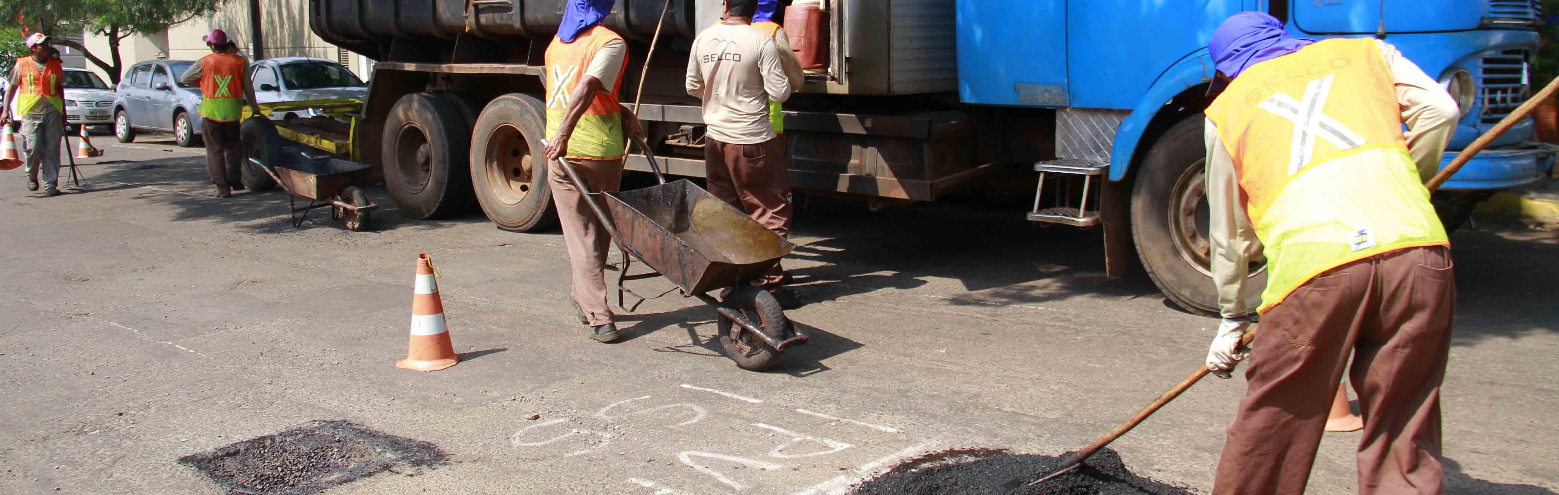 Empresa do buraco fantasma 'dá calote' em trabalhadores e não paga rescisão contratual