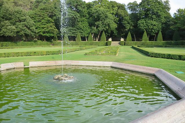 Jardins d'Albertas fountain, Provence, France