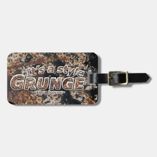 It's a style GRUNGE Rusty Letters Tags For Luggage