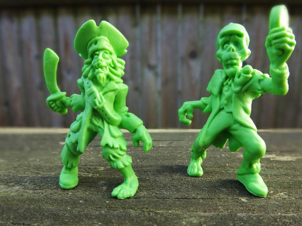 SLUG Zombies series 1 figure Cap'n Scurvy Jack Inspector Bones