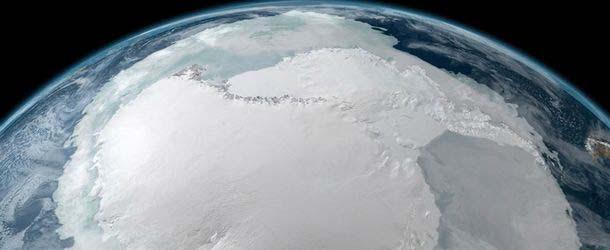 Satélites de la NASA descubren una base secreta OVNI nazi bajo el hielo de la Antártida