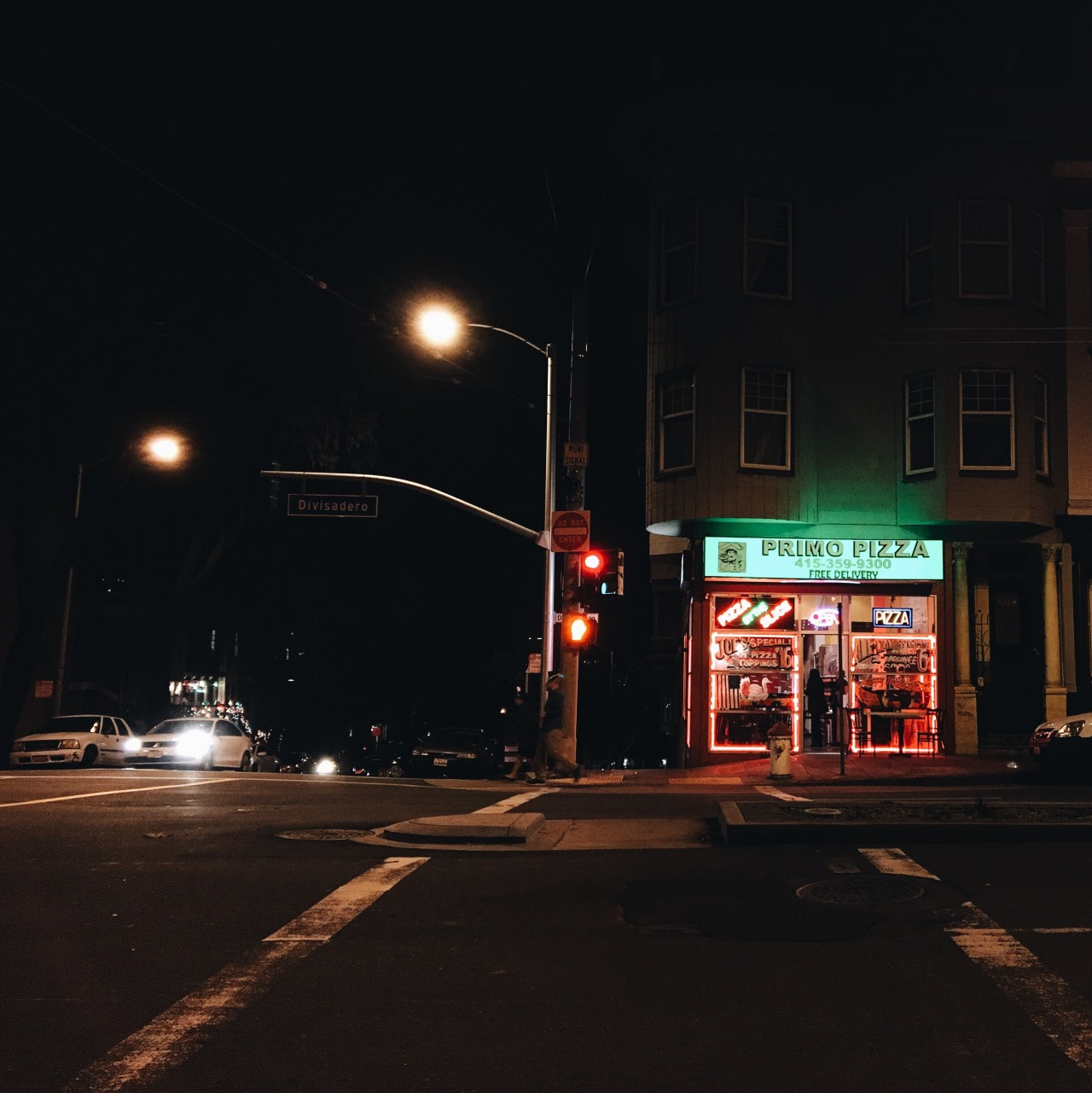 Primo Pizza, around 1 am, New Year's Day. 2016.Divisadero, at Turk.Photo by KT Drasky.