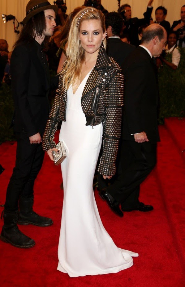 1 MET Sienna Miller wearing Burberry to the Costume Institute Gala Benefit Metropolitan Museam of Art. 06 May 2013