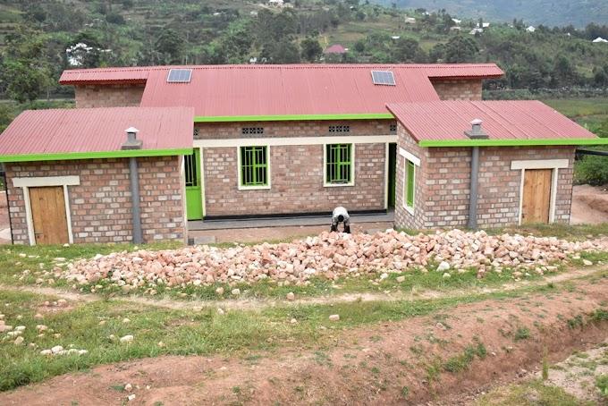 Kamonyi: Imiryango 40 y'abarokotse Jenoside batishoboye yahawe inzu nziza mu 2020/21 - #rwanda #RwOT
