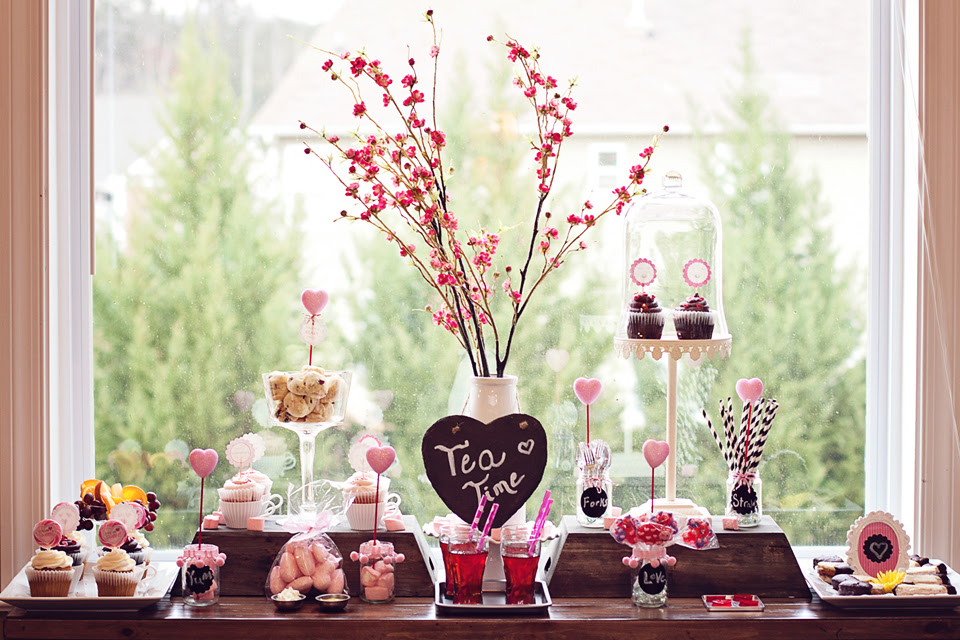 Pink And Gray Valentines Day Party Decorating Tips