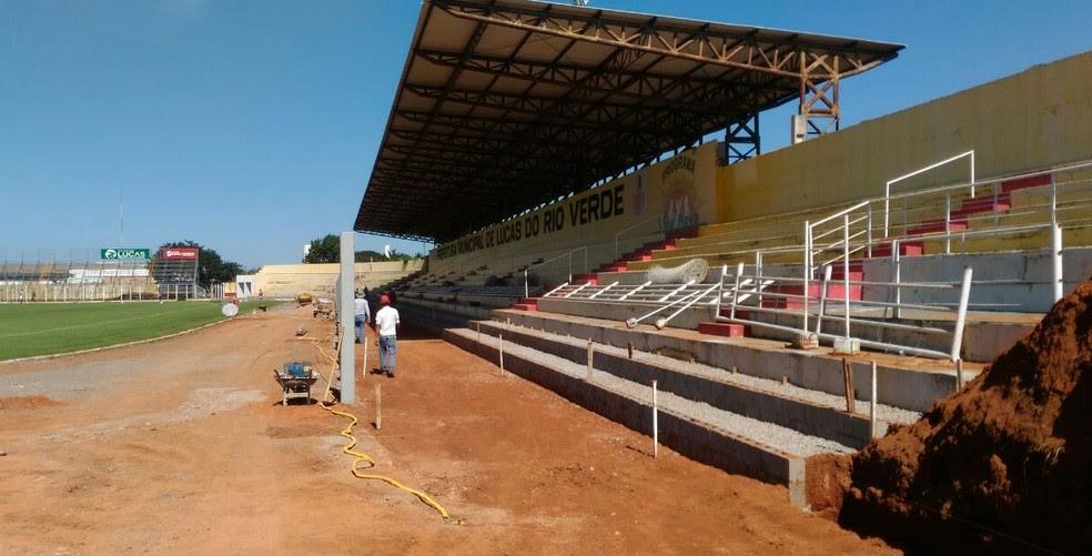 Estádio Passo das Emas para por obras (Foto: Assessoria/LuverdenseEC)