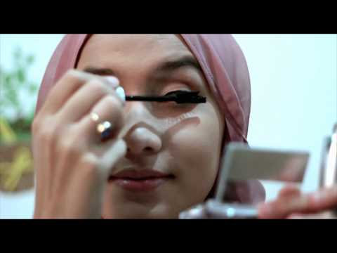VIDEO : beautiful tutorial make up and hijab by dwi handayani wardah -  ...