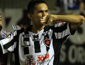 João Paulo, atacante do Bitafogo-PB (Foto: Francisco França / Jonal da Paraíba)