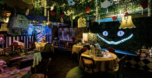"""A boozy """"Alice in Wonderland"""" tea party is coming to Toronto this winter 