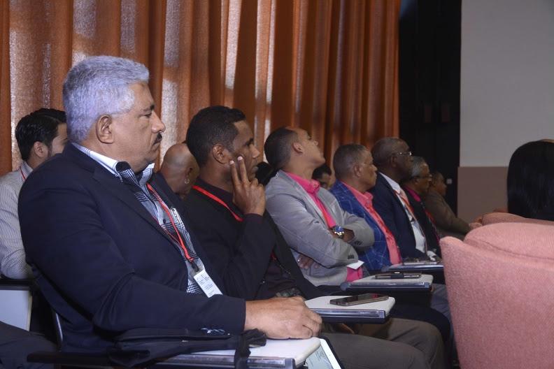 Asistentes a la clausura del XIII Encuentro Internacional de Contabilidad, Auditoria y Finanzas, y el IV Encuentro Internacional de Gestión y Dirección Empresarial, en el Palacio de Convenciones, en La Habana, Cuba, el 30 de noviembre de 2019.