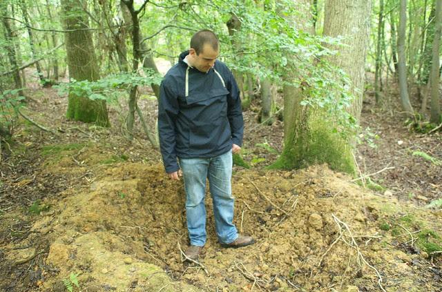 DSC_4523 Hole dug by wild boar