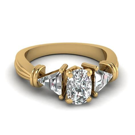 Glance Through Our 18k Yellow Gold Wedding Rings For Women