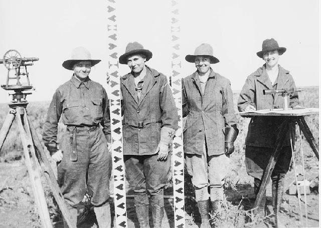 File:All female survey crew - Minidoka Project, Idaho 1918.jpg