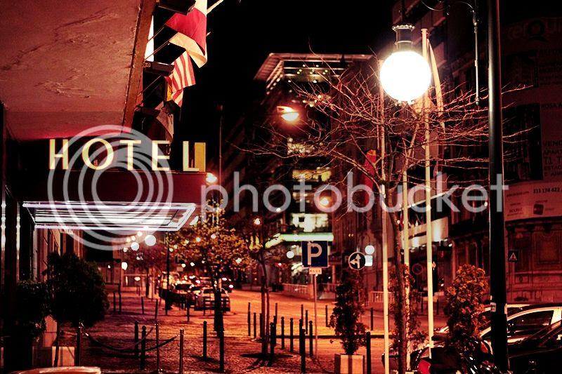 photo LISSABON_BY_NIGHT_NACHTS_TRIP_KURZURLAUB_LISBON_LISBOA_PORTUGAL_GUIDE_STREET_STRASSE_LICHTER_HOTEL_JORGE_V_zps38a3b233.jpg