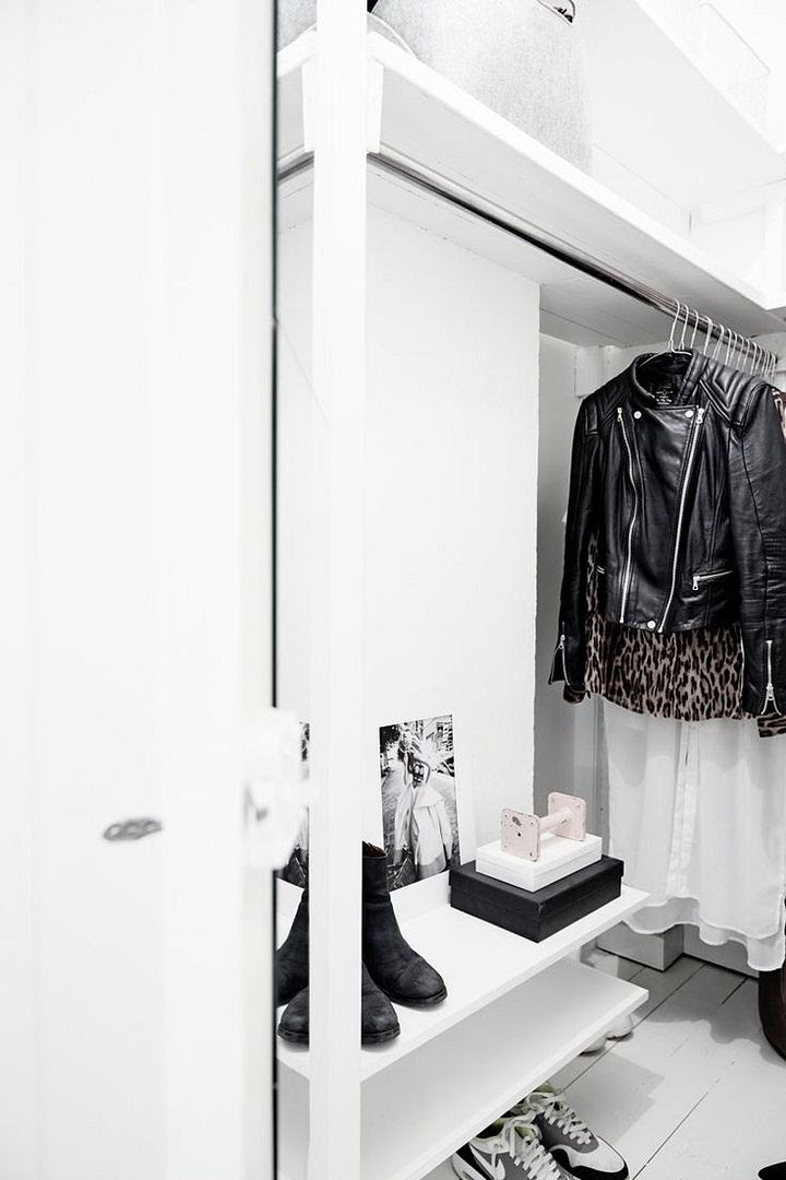 LE FASHION BLOG OPEN CLOSETS PART 2 HOME DECOR IDEAS FASHIONABLE HOME INSPIRATION CLOTHES ON DISPLAY WHITE CLEAN CLOTHES RACK SHELVES LEATHER MOTO NIKE AIRMAX SNEAKERS TRAINERS KICKS BLACK ANKLE BOOTS LEOPARD PRINT BUTTON DOWN SHIRT JACKET SWEDISH INTERIOR DESIGNER ELIN KICKEN VIA OLLIE SEBS HAUS 2 photo LEFASHIONBLOGOPENCLOSETSPART2LEATHERJACKETELINKICKENVIAOLLIESEBSHAUS2.jpg