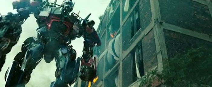 Optimus Prime takes part in a battle for Chicago in TRANSFORMERS: DARK OF THE MOON.