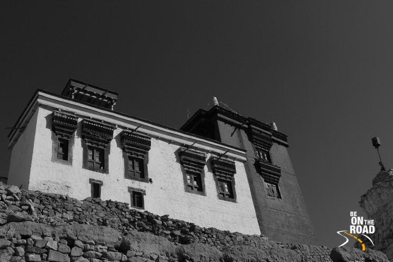 Ladakhi Building enroute to Leh palace