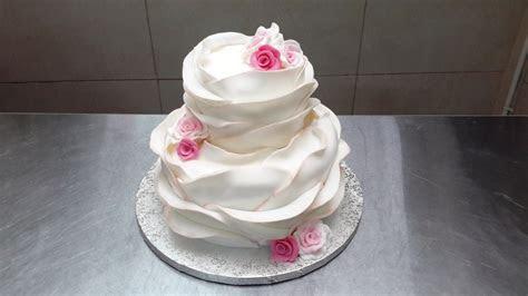 How To Make A Beautiful Ruffle Cake