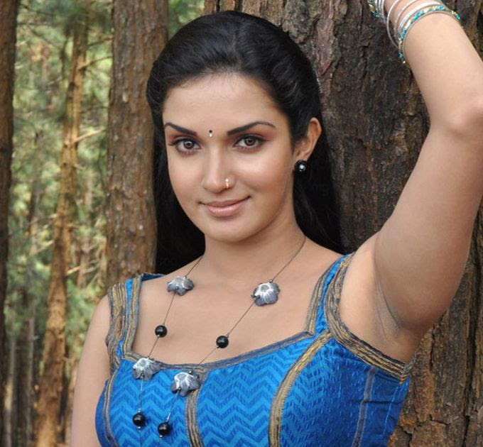Malayalam Actress Honey Rose Hot In Blue Dress