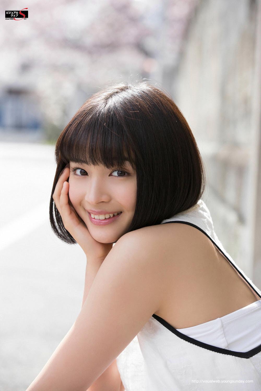 ほんわか笑顔の愛らしい女優として活躍中の広瀬すずの高画質画像 壁紙
