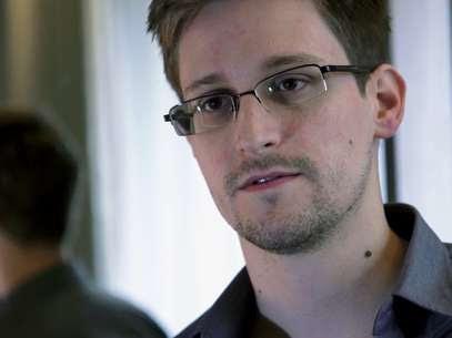 Edward Snowden é acusado de espionagem, roubo e uso indevido de propriedade do governo dos EUA Foto: AP