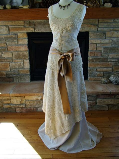 Wedding dress Vintage Handmade Bridal Gown Wedding Dress