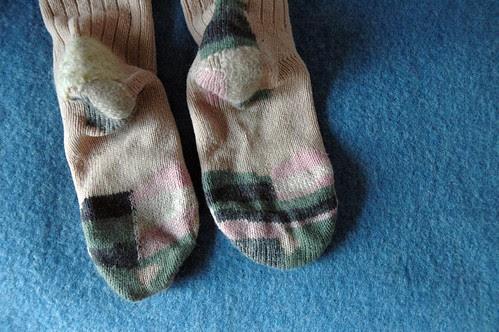 darning socks (4)c