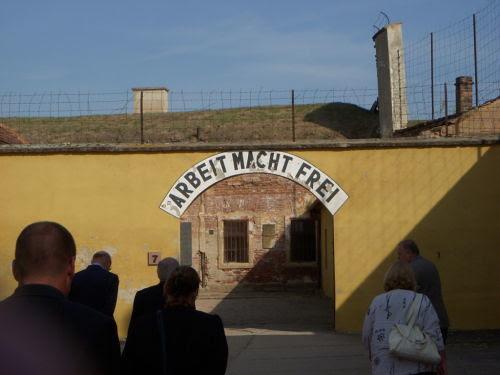 Ehemaliges KZ Theresienstadt by karinseidelkalmutzki