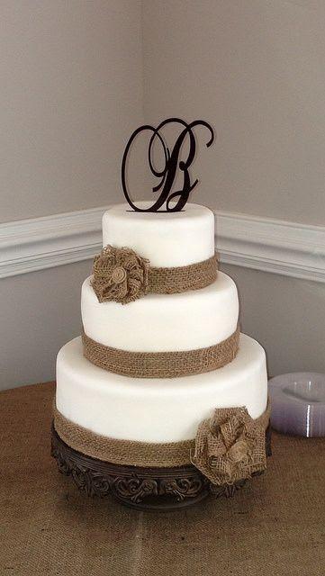 Western burlap wedding cake | Burlap wedding cake, Turtle