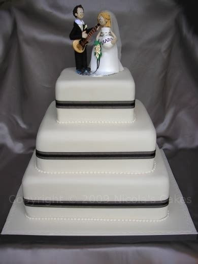 Floid's blog: 3 tier wedding cake with buttercream icing