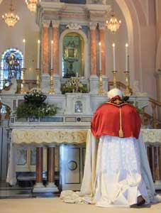 Benedicto XVI visita el santuario del Santo Rostro de Manoppello (Pescara), el 1 de septiembre de 2006 [© Santuario di Manoppello]