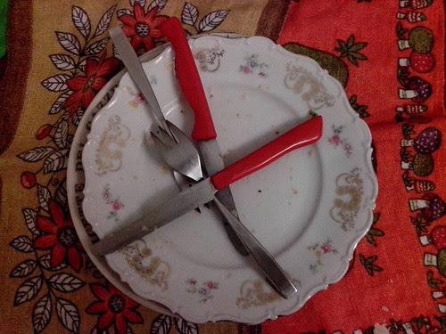 Alla fine della cena, piatti! by Ylbert Durishti
