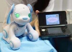 """Nova versão do cão robô """"Heart Energy Pooch"""" da Sega Toys. Foto: Sankei"""