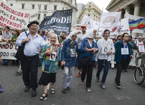 Marcha por los cuarenta an_os fotos Kaloian