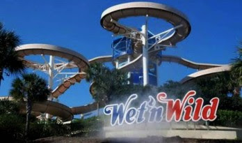 0211 e1312891683226 Top 10 Largest Water Parks