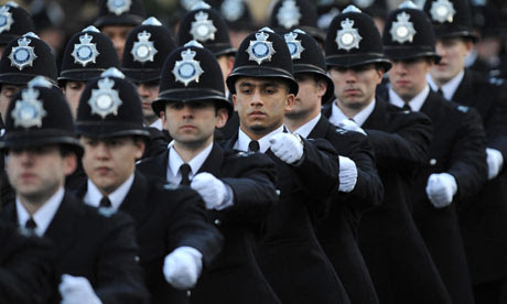40,000 British policemen may lose their jobs