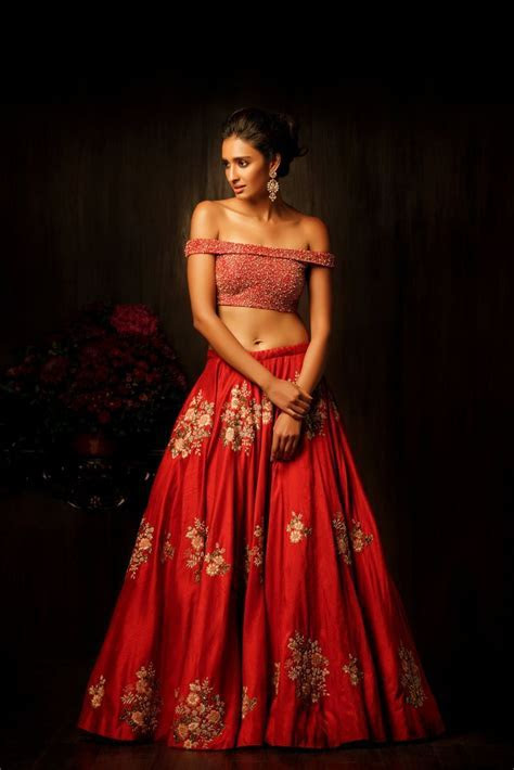 1000  ideas about Red Lehenga on Pinterest   Lehenga