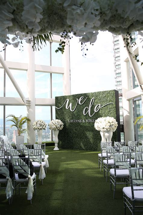 Green Flower Wall Hire   Designer Chair Covers To Go