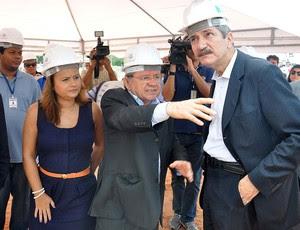 Aldo Rebelo em visita a arena das Dunas (Foto: Frankie Marcone / Futura Press / Agência Estado)