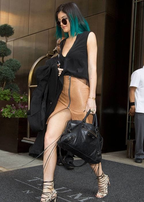 kylie Jenner latest summer look (3)