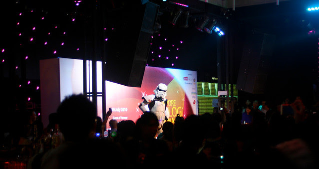 There's the Gordonator up on stage!
