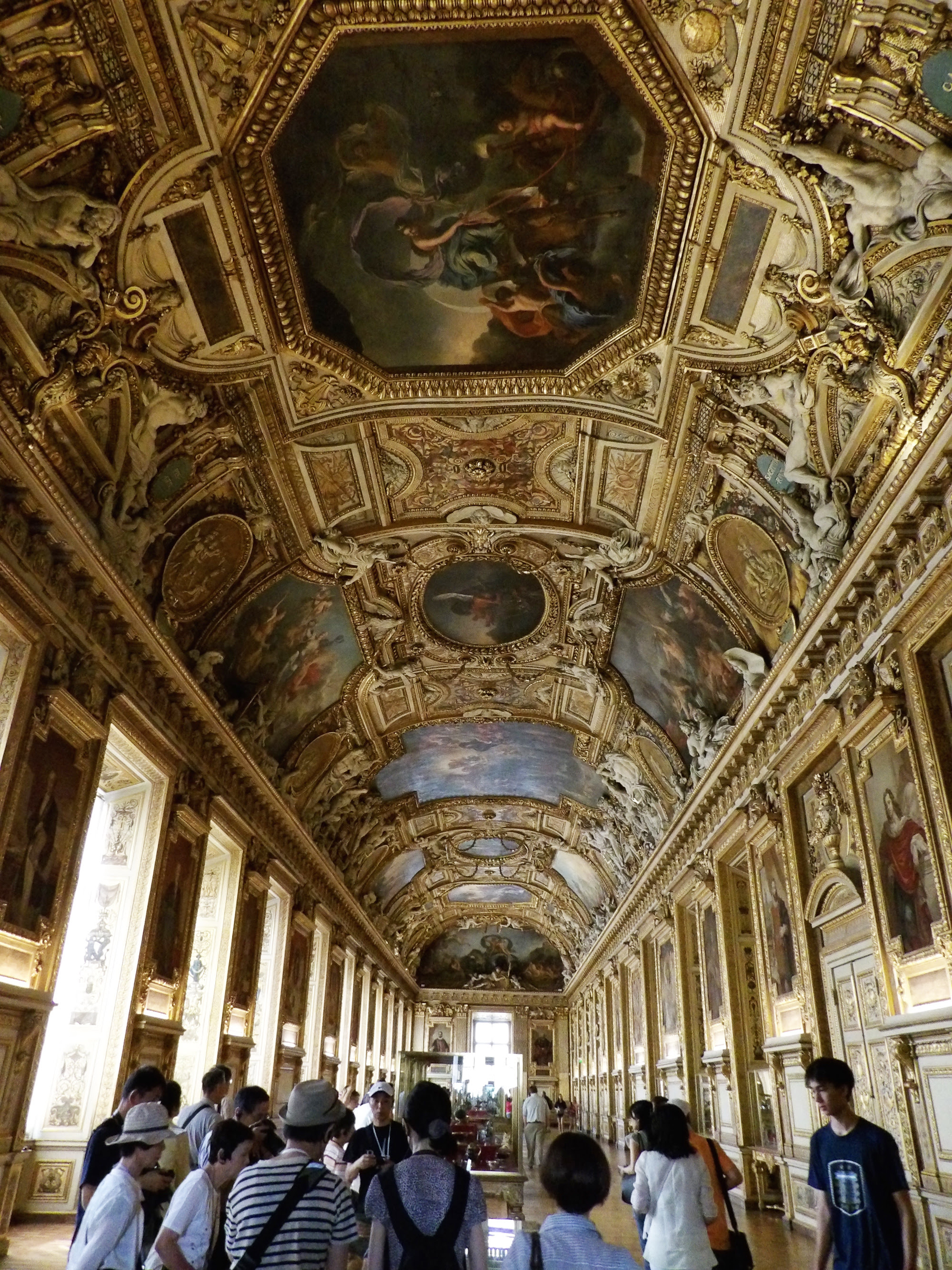 louvre_hall