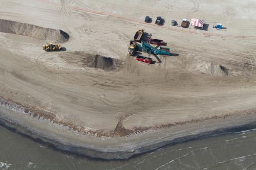 BP cleanup effort Grand Isle Louisiana