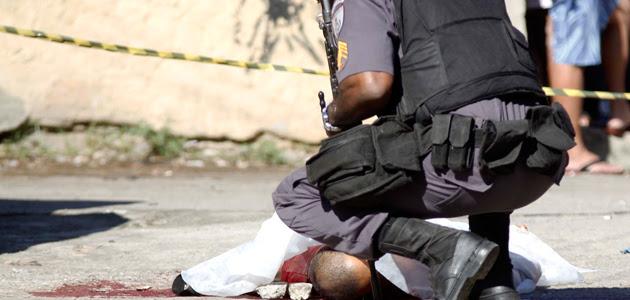 """Professor alerta para """"pandemia"""" de mortes de jovens negros"""
