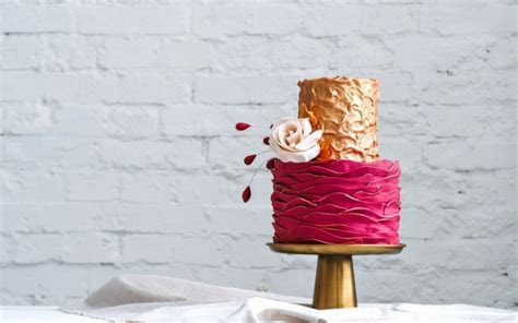 The Most Popular Wedding Cake Trends on Pinterest